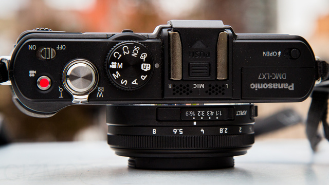 Panasonic Lumix LX7 Review: A Lovely Point-and-Shoot For Control Freaks