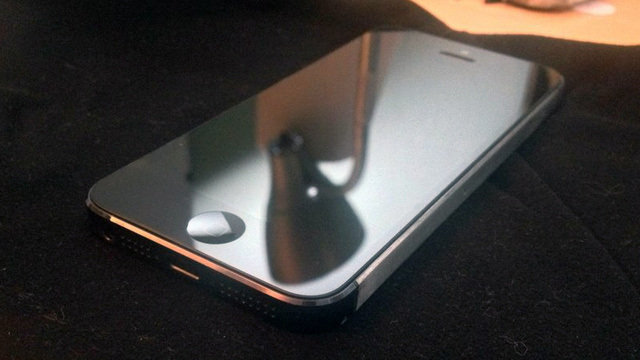 This All-Aluminum iPhone 5 Looks Pretty Cool to Me