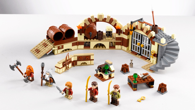New Lego Hobbit Sets Reveal Movie Secrets