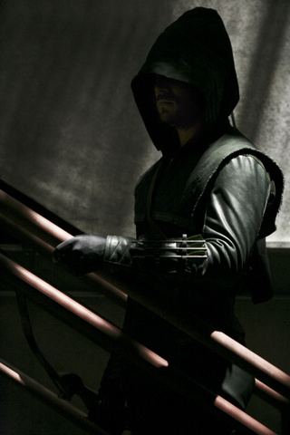 Arrow Ep. 1.04 Promo Pictures