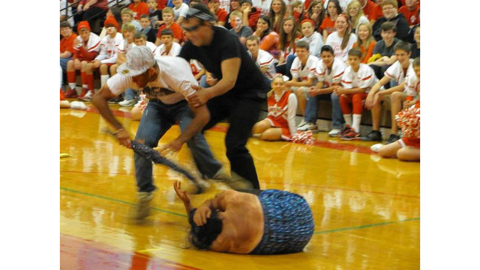 Idiot Students in Blackface Reenact Chris Brown Beating Rihanna at Worst Pep Rally Ever