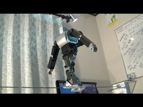 Click here to read No One Cares If a Tightrope-Walking Robot Falls To Its Death
