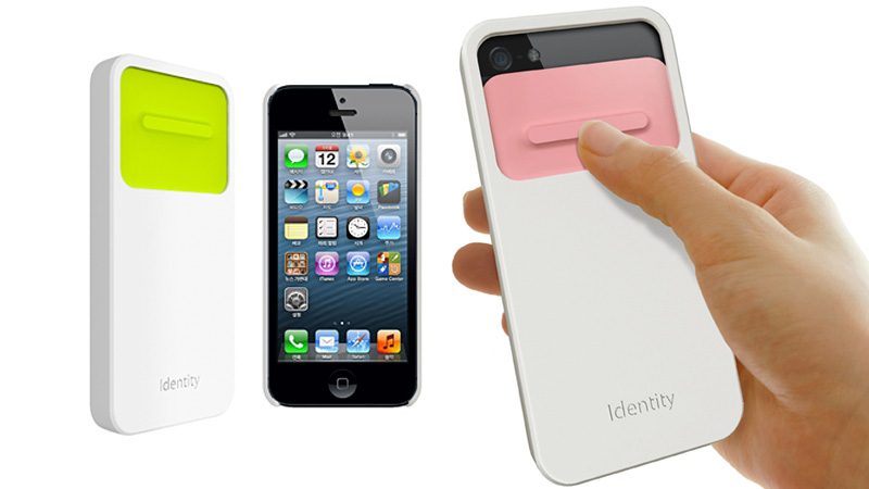 Click here to read This Sliding Lens Cap iPhone Case Banishes Smudges