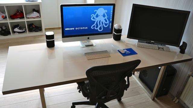 Click here to read This DIY Whiteboard Desk Makes for Quick Notes and Brainstorming