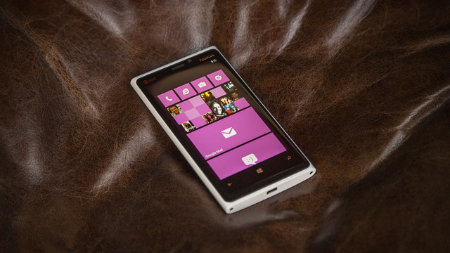 Lumia 920 Review: Just Too Damn Heavy