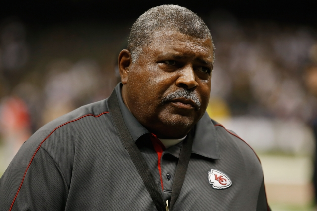 K.C.'s Crennel removes himself as D-coordinator