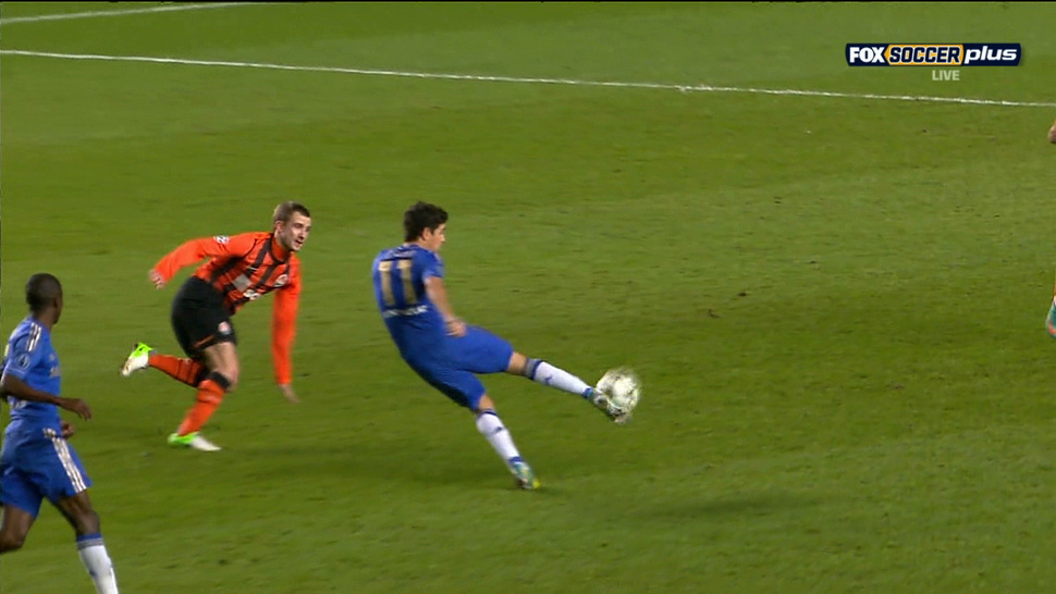 Oscar's Long-Range Volley Gave Chelsea A Halftime Lead