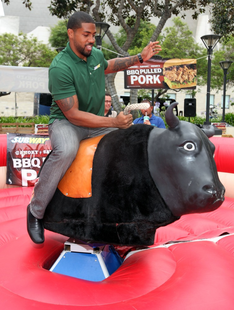 Arian Foster Is Vegan, Except For When He Eats Chicken