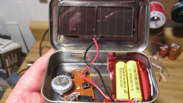 Click here to read DIY Altoid-Tin Solar Radio for $3