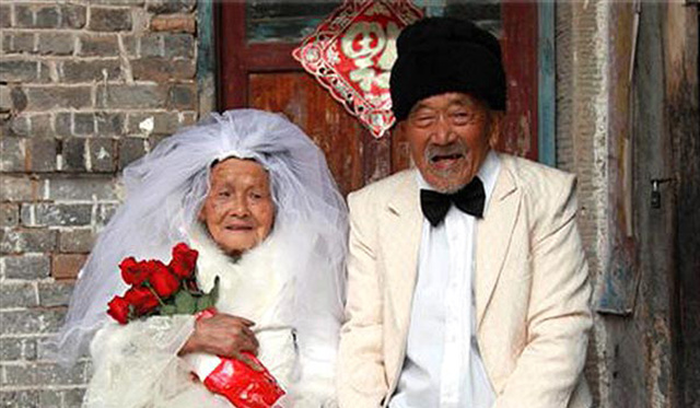 Centenarian Couple Finally Gets Their Wedding Photos