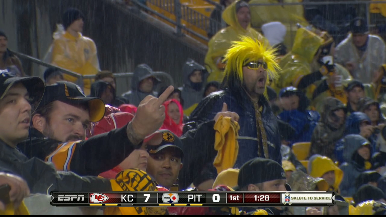 Since Everybody Loves Fans Flipping The Bird, Here's A Steelers…