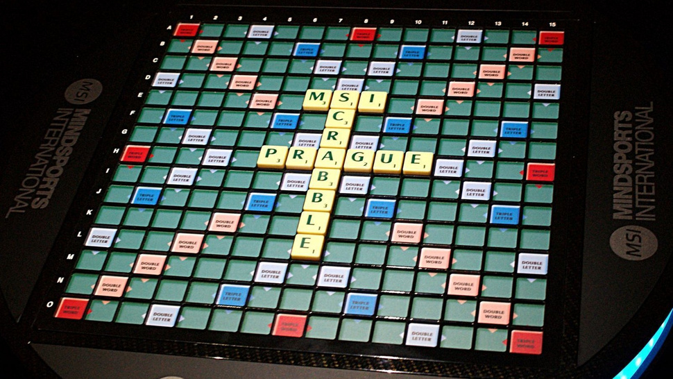 The World's Most Advanced Scrabble Set: LEDs, RFID and $30,000