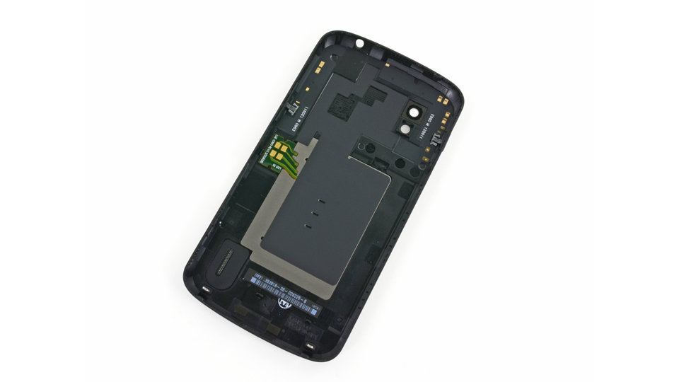 Click here to read Nexus 4 Teardown: What the Guts Look Like