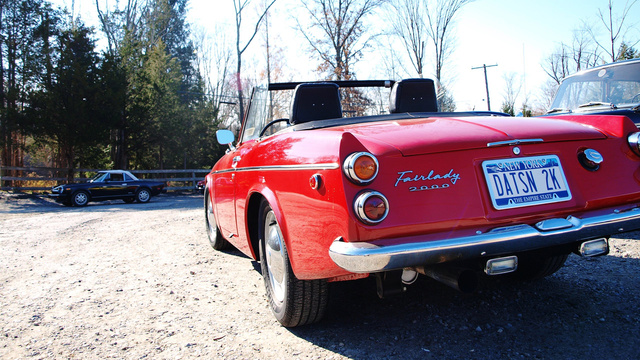 How To Get A Ride In A Vintage Ferrari And Meet Fabulously Rich, Absurdly Kind Car Enthusiasts