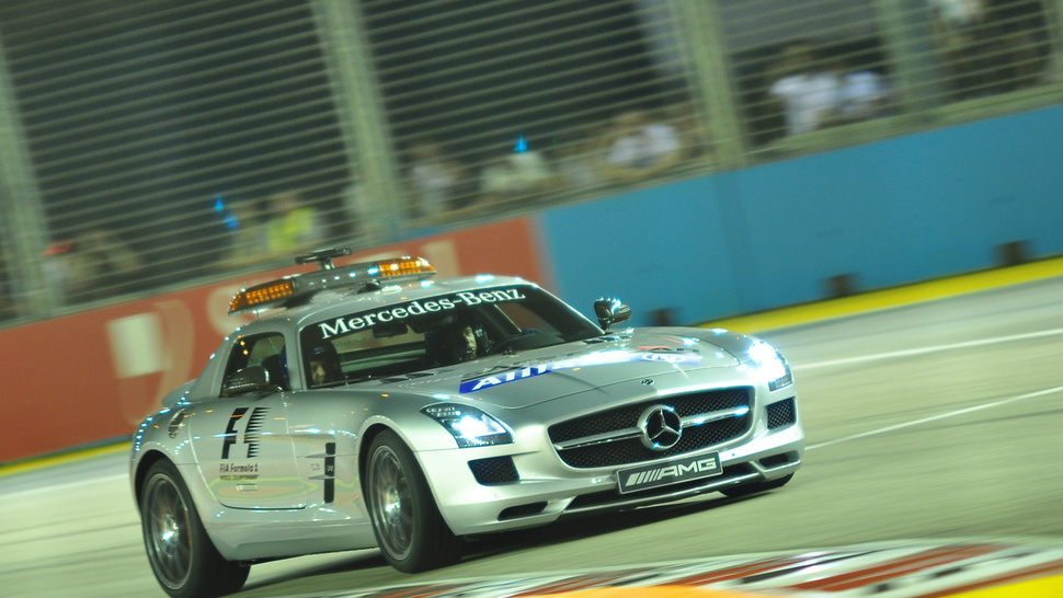 Your Ridiculously Awesome Mercedes SLS AMG F1 Safety Car Wallpaper Is Here