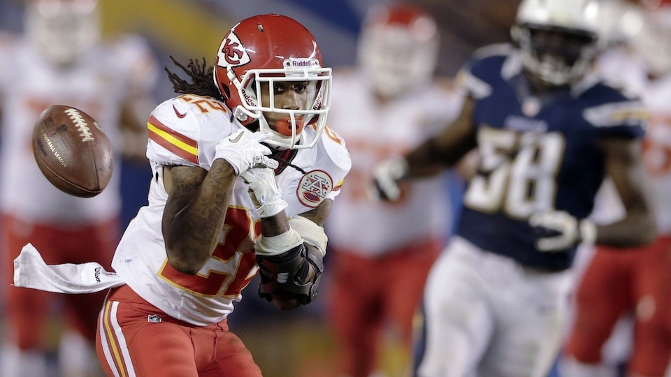 Chiefs Receiver Delivers Thanksgiving Meal To Old Lady. Old Lad…