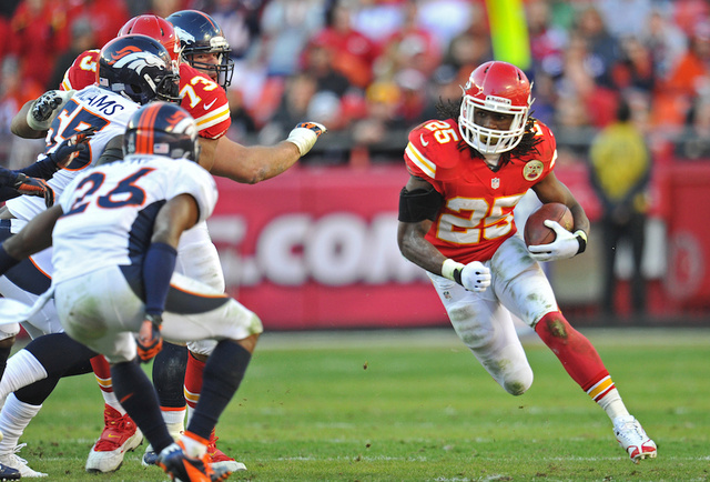 Jamaal Charles Waited Around for Peyton Manning's Autograph After Losing To Peyton Manning