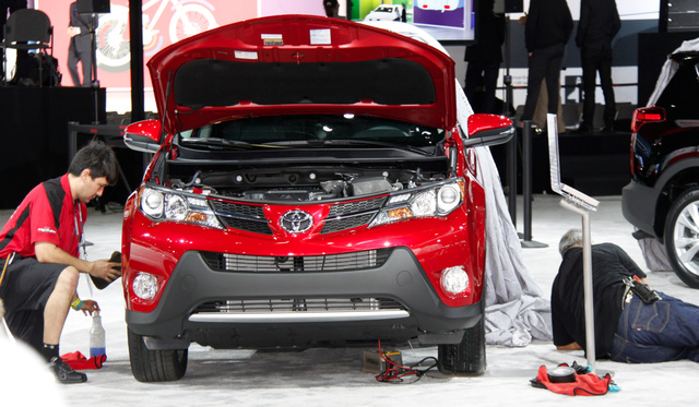 2013 Toyota RAV4: Boring In Pictures, Boring In Person