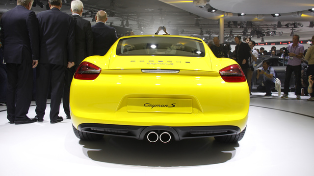 2014 Porsche Cayman: First Liveshots Of Stuttgart's Sexy Little Minx