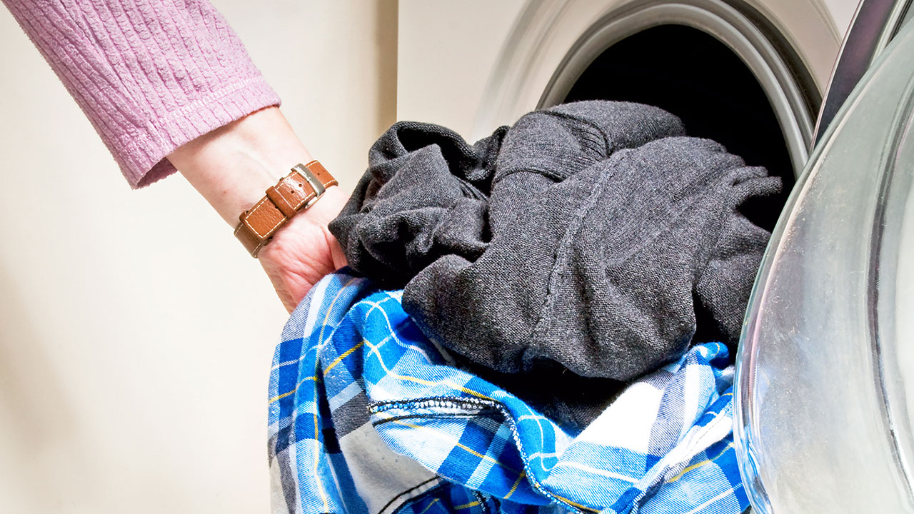 Click here to read Make Sure Your Dryer Actually Dries Your Laundry with a Quick Shake
