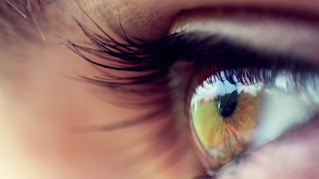 These Super-Light Polymer Lenses May Eventually Replace Human Corneas