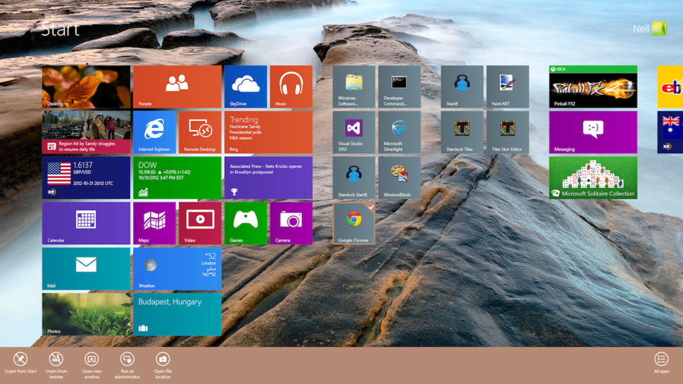 Decor8 Personalizes the Windows 8 Start Screen with Custom Backgrounds and Color Schemes