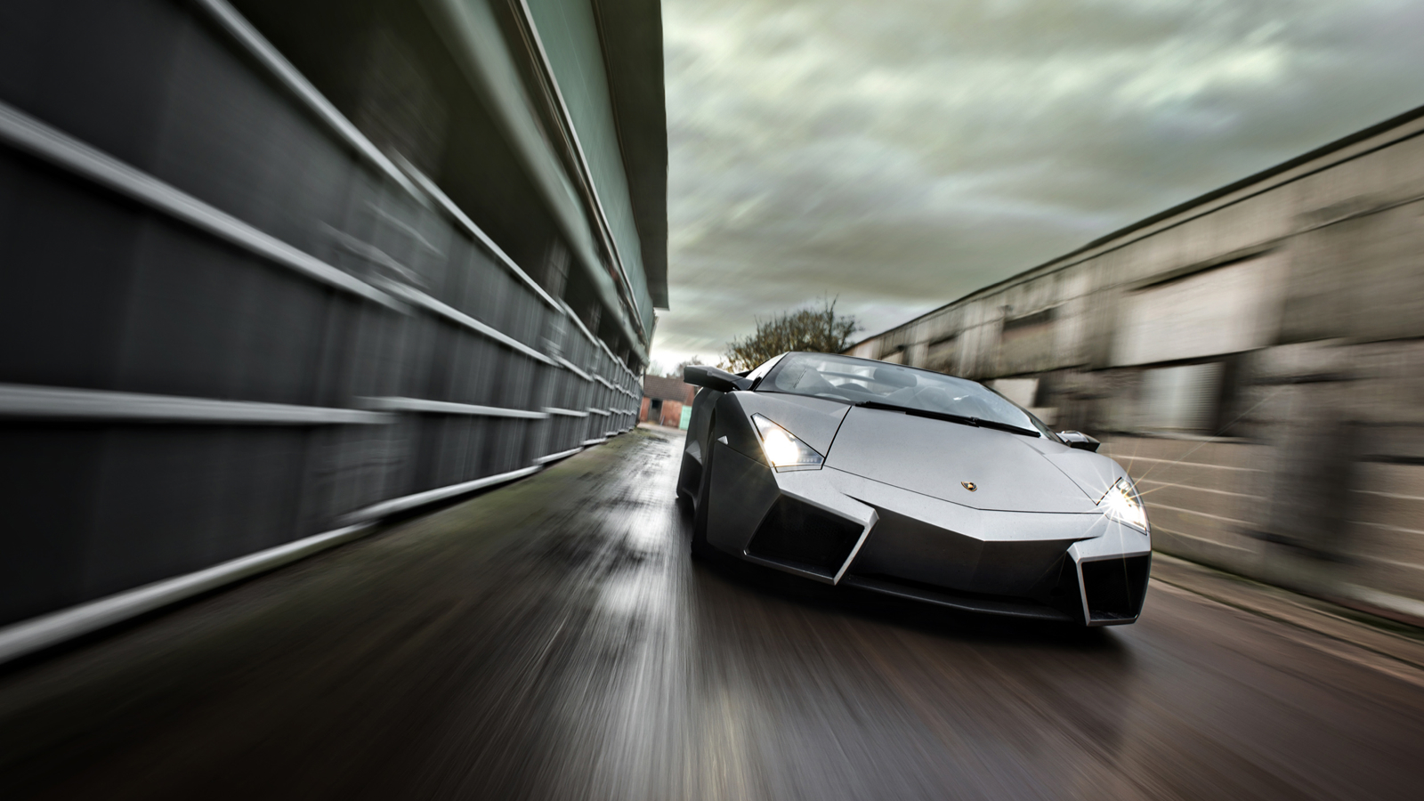 Click here to read Would You Chop The Top Off Your Lamborghini Reventon?