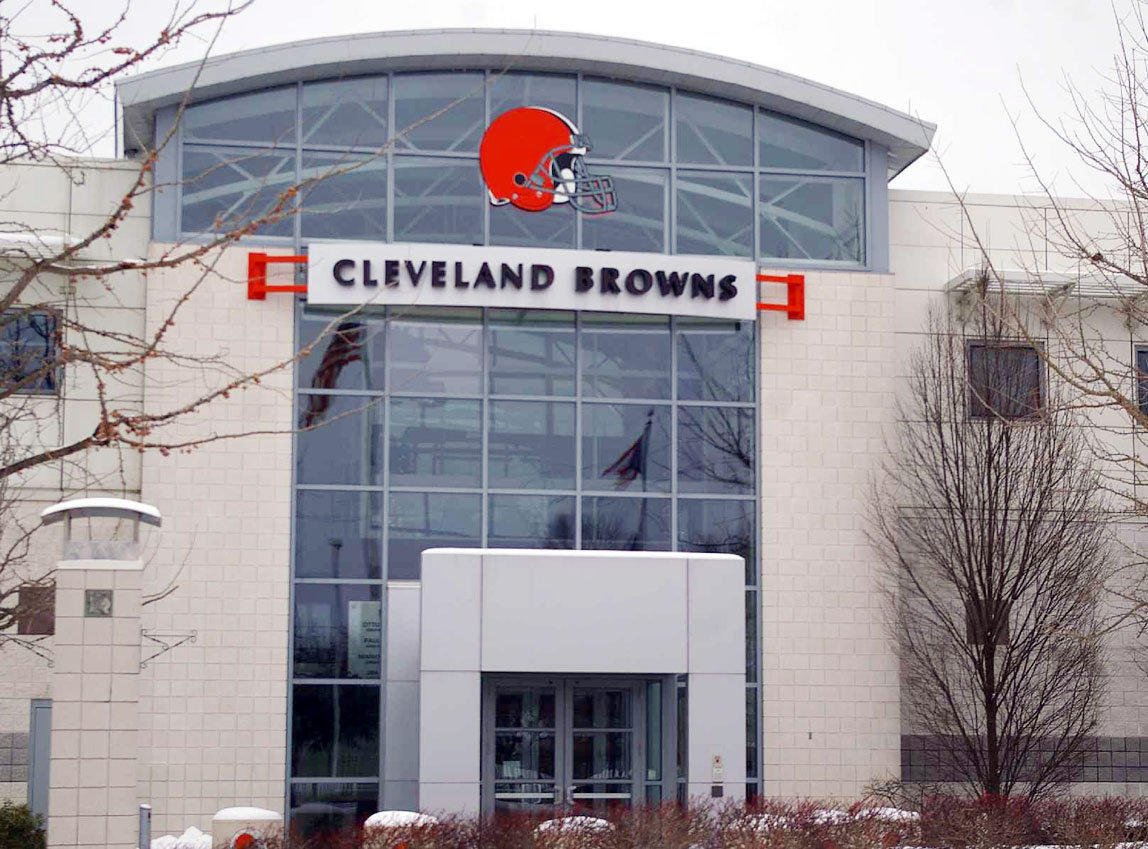 Cleveland Browns Groundskeeper Commits Suicide At Practice Faci…
