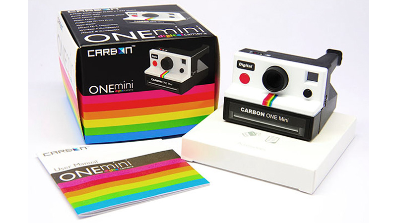 Click here to read This Polaroid Look-a-like Packs Modern Digital Guts