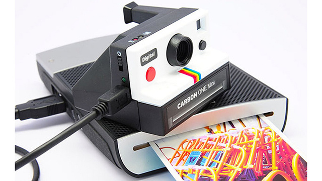 This Polaroid Look-a-like Packs Modern Digital Guts