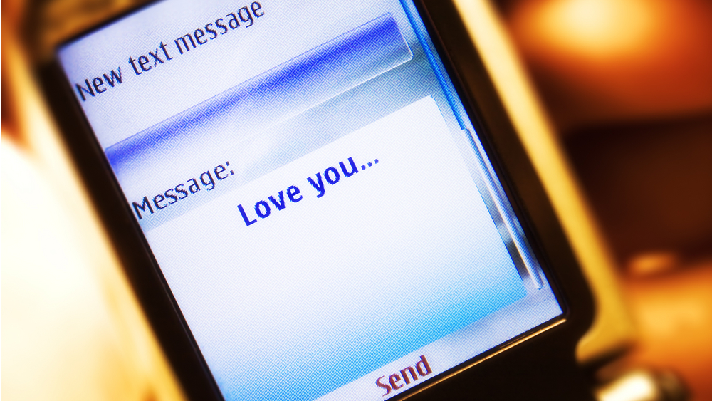 Click here to read The First Text Message Was Sent 20 Years Ago Today