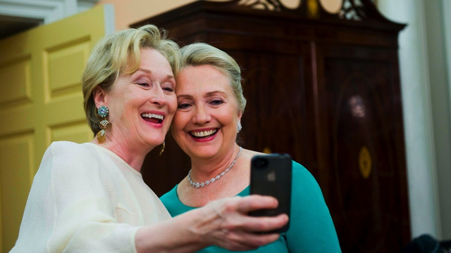 Meryl Streep Turns Selfie Into Something Awesome
