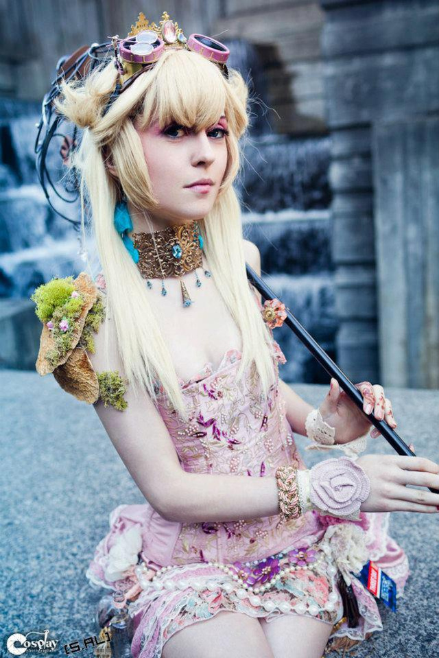 Steampunk Princess Peach is in Another Manor House