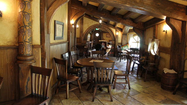 this new zealand bar looks just like the hobbit pub in the lord of the rings kotaku australia. Black Bedroom Furniture Sets. Home Design Ideas