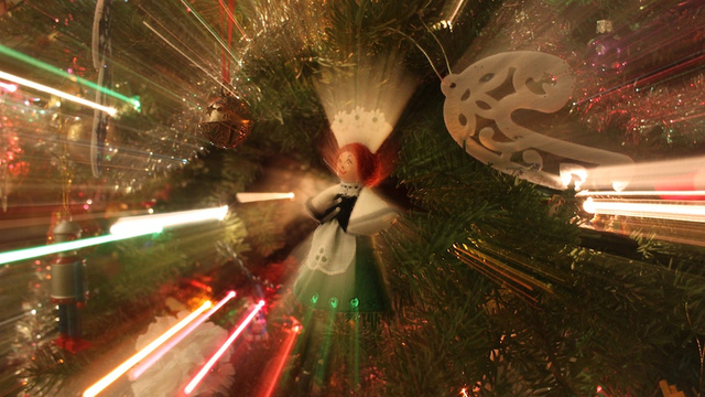 24 Photographs Of Your Most Treasured Ornaments