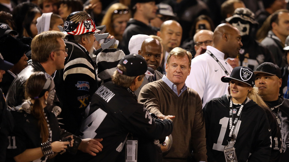The Raiders Cost Oakland 200 Police Officers In A Startlingly Direct Way