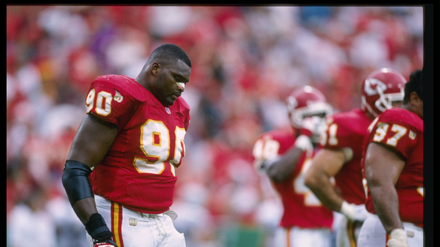 Report: Former Pro Bowl Defensive Lineman Neil Smith, 46, Suing…