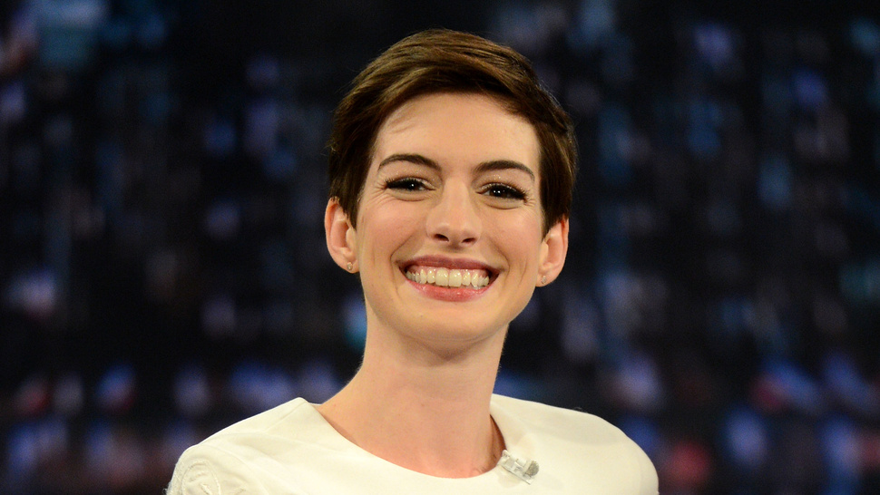 "Anne Hathaway Says her Performance in <em>Les Misérables</em> was ""Eh"""