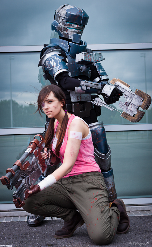 Dead space cosplay so real you ll want to hide in a closet