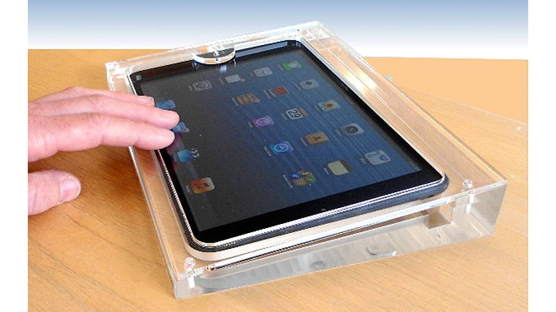 Grace Your iPad Mini With the Sterile Charm of an Apple Store Display