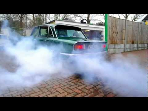 Click here to read This British V8 Burnout Is Bigger Than The Car