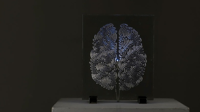 Click here to read This Electrified Brain Is Made of Thousands and Thousands of Drops of Solder