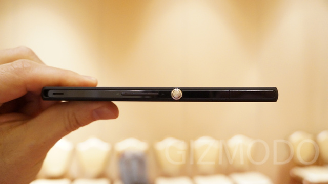 Sony Xperia Z and ZL Hands On: Two Phones Worth Getting Excited About