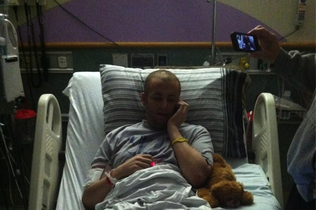 Friends Successfully Use Twitter To Get Adrian Peterson To Call High School Kid With Cancer