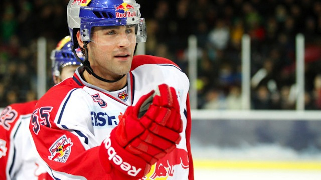 Johnny Boychuk's Austrian Team Only Gave Him Red Bull To Drink