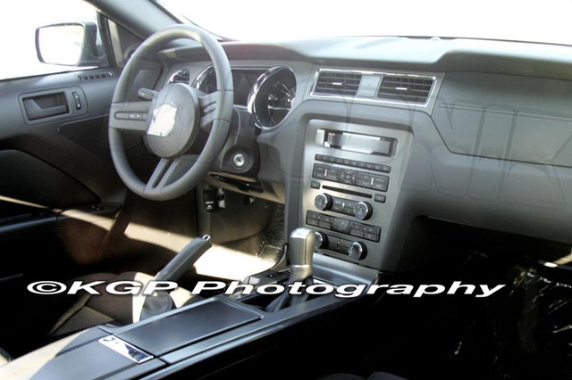 2010 Ford Mustang Interior Revealed; Shows Evolutionary, Not Revolutionary Changes