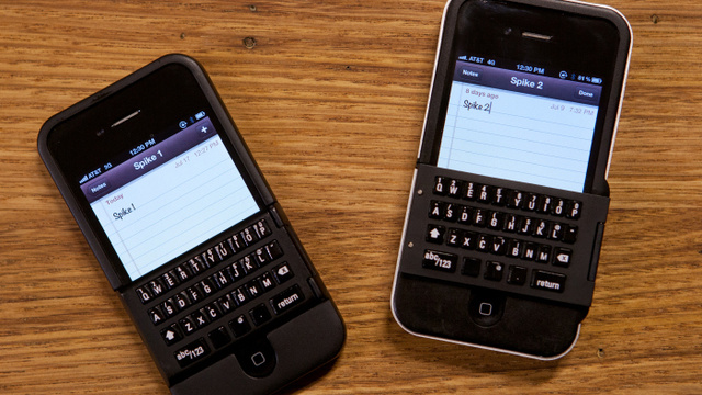 Click here to read This Dumb Physical iPhone Keyboard Is Actually Real
