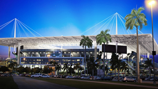 The Dolphins Want Taxpayers To Help Them Renovate Sun Life Stad…