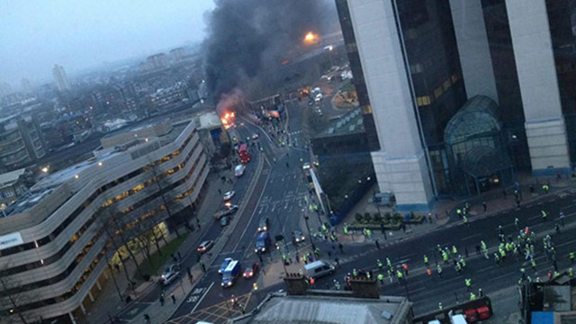 Click here to read Helicopter Crash in Central London Kills Two (Updating)