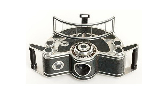 Click here to read 12 Classic Cameras That Look Nothing Like Cameras